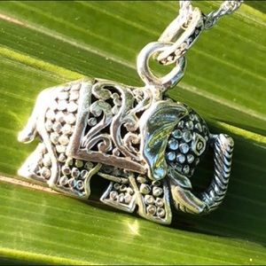 """Jewelry - Sterling silver elephant pendant necklace 16"""" 18"""""""